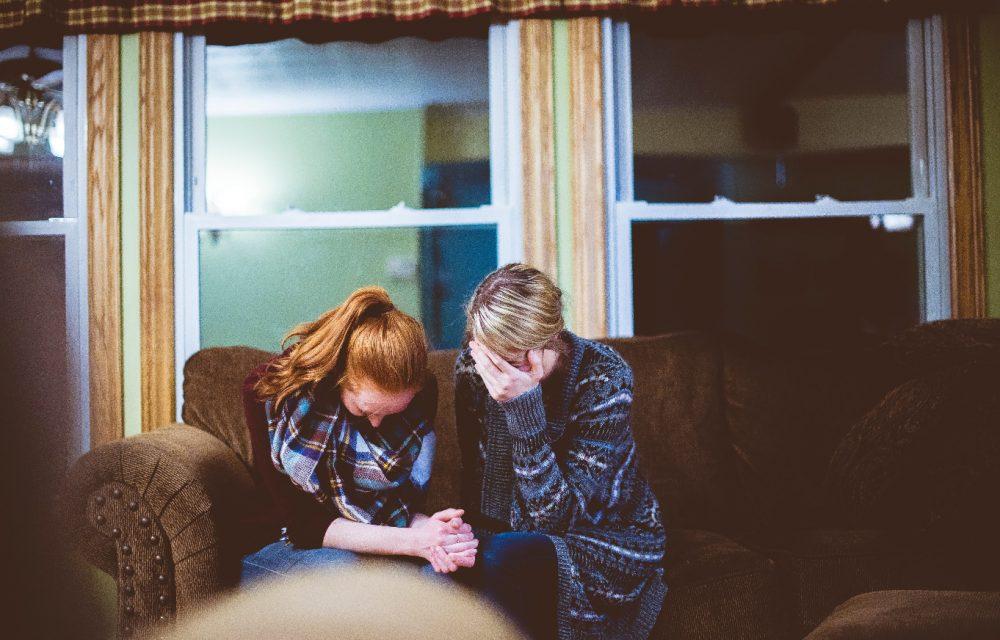 家族がうつ病っぽい…どう対応すべき?誰に相談したらいいかわからないあなたへ